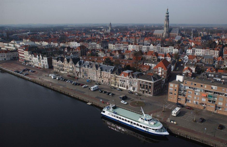 Luchtfoto ligplaats Middelburg